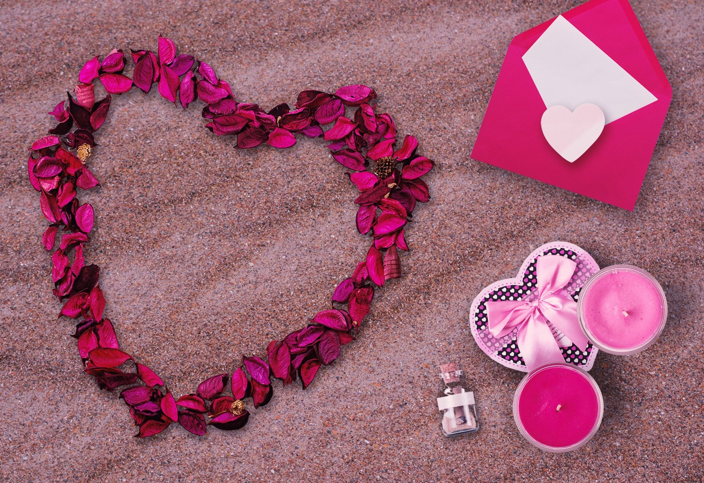 15 Anniversary Gift Ideas For Your Girlfriend