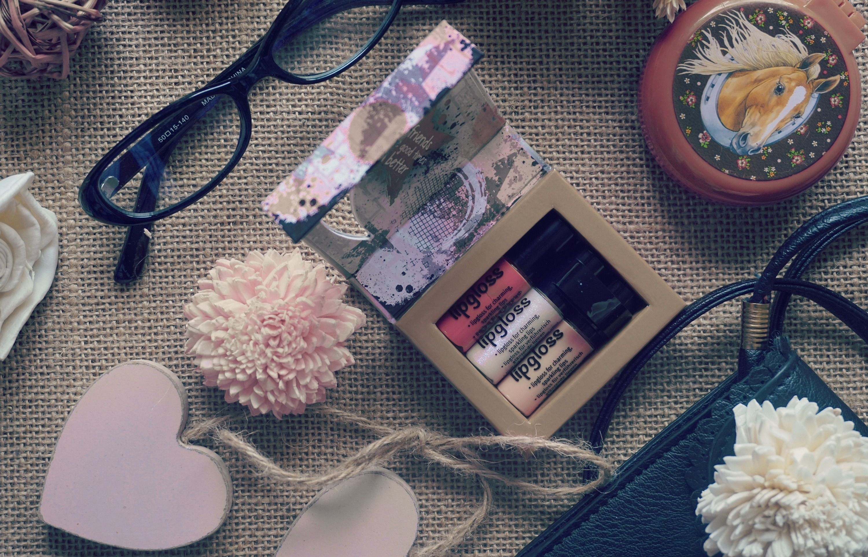 10 Cute Gifts For Your Girlfriend