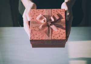 GET THE BEST GIFT IDEAS FOR YOUR GIRLFRIEND 2018