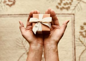HOW TO BUY THE PERFECT GIFT FOR YOUR GIRLFRIEND