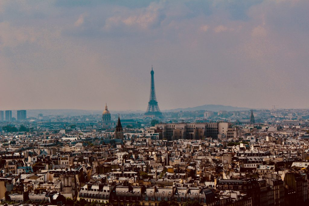 a picture of paris where you can see the eifeltower