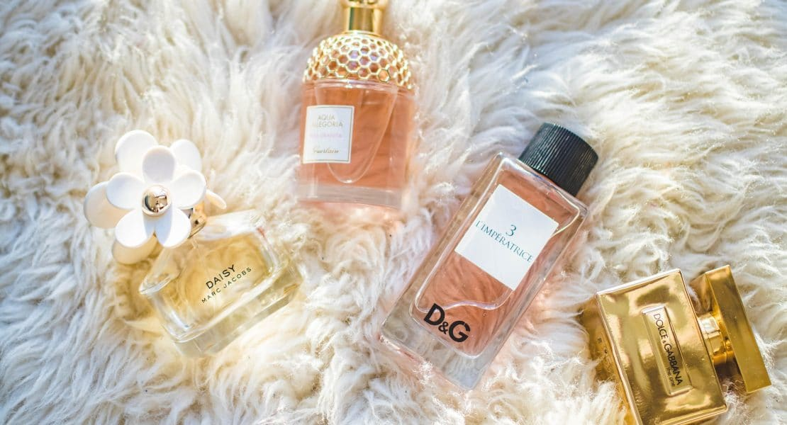 Top 15 Perfumes To Gift Your Girlfriend