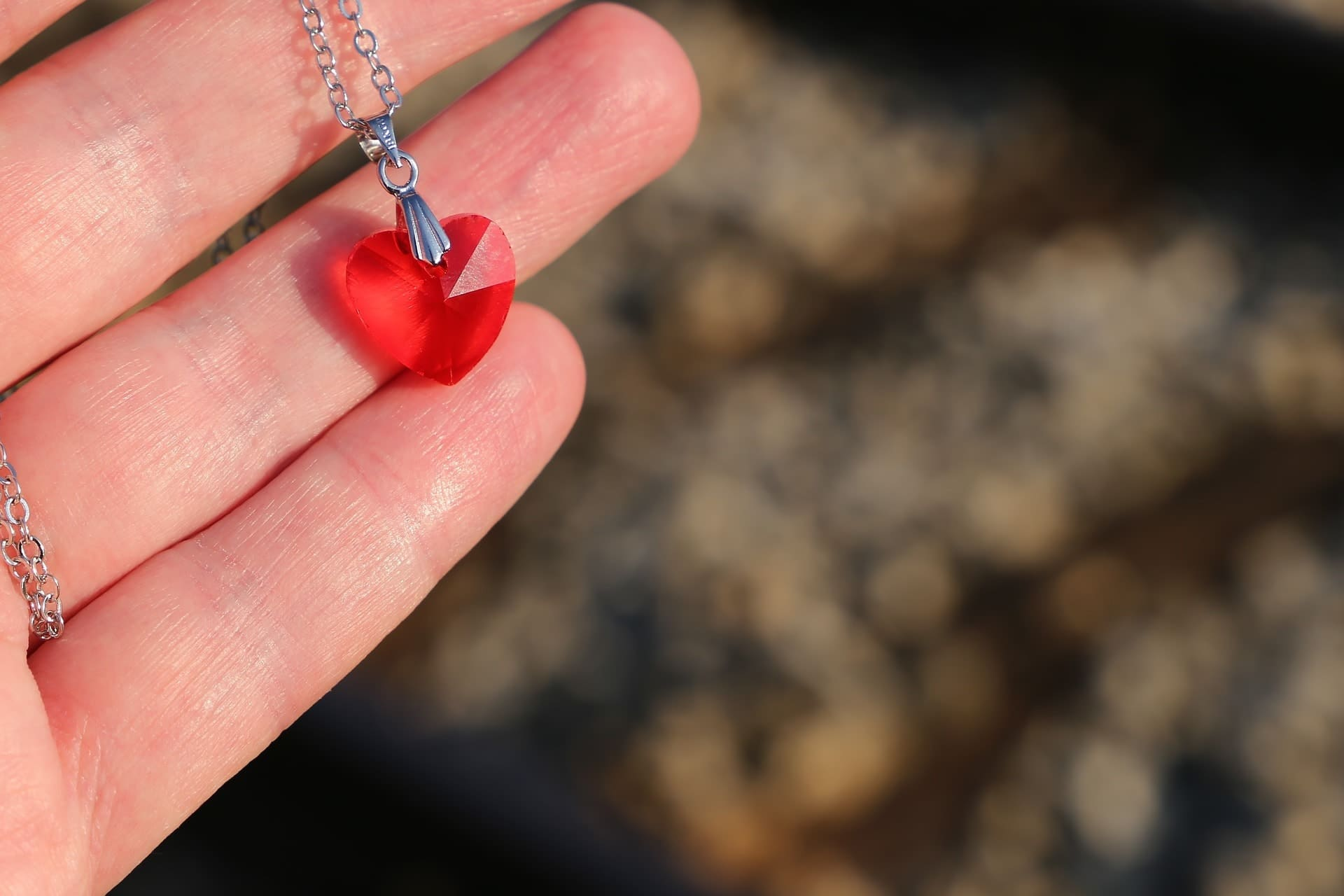 THE BEST HEART NECKLACES FOR YOUR GIRLFRIEND