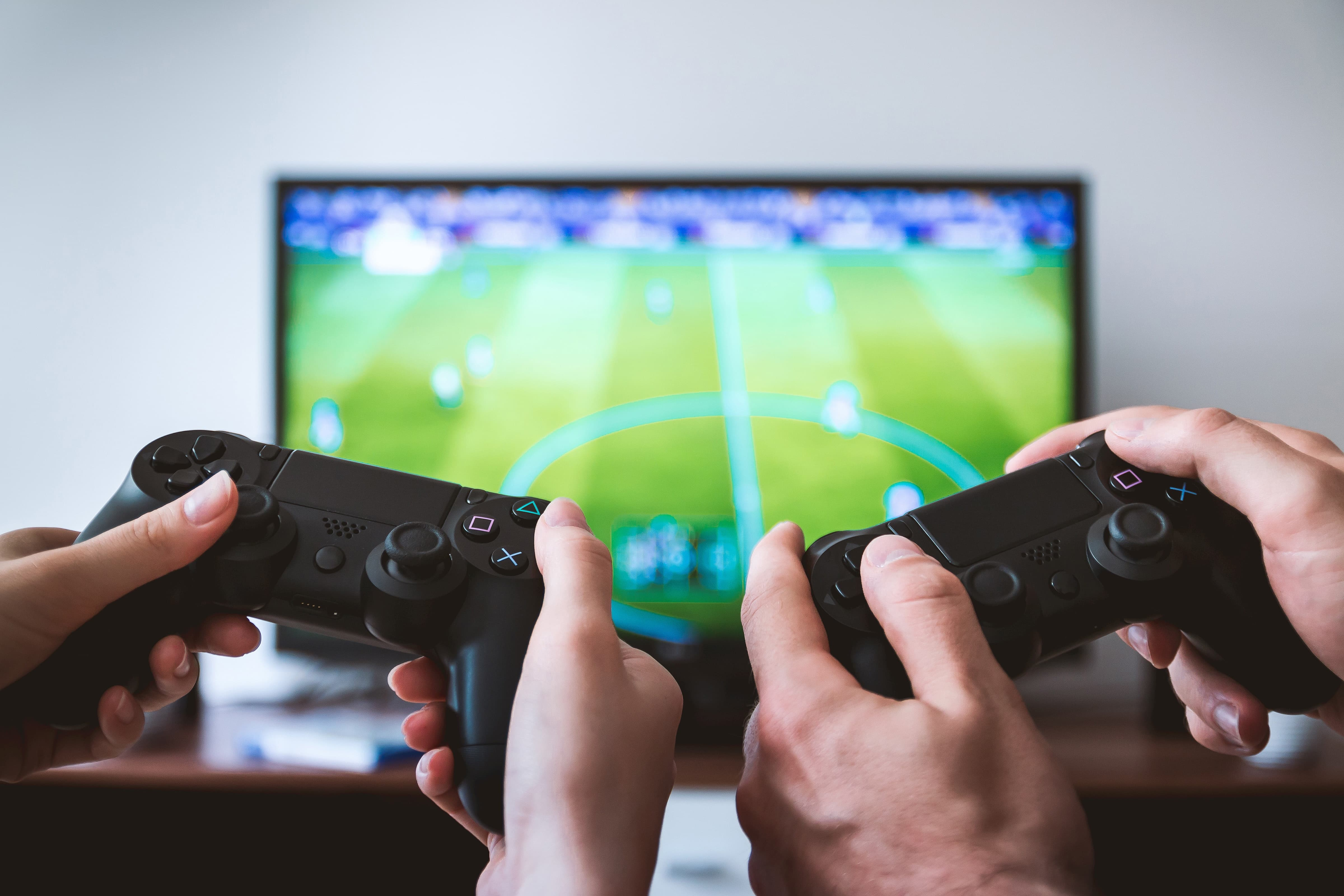 The Best Games You Can Play With Your Girlfriend